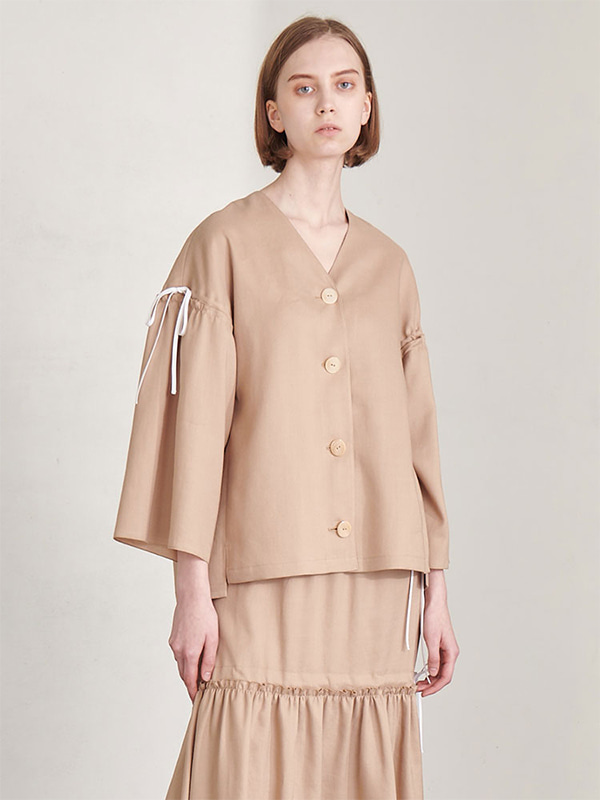 STRING SHIRRING BLOUSE_BEIGE